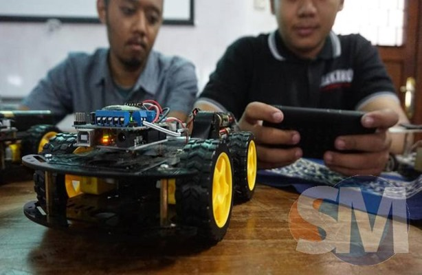 SM 19_03_2018 Uji Ketangkasan Android Robo Car Competition